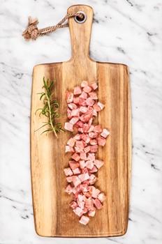 Bacon tärnat
